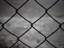 Cerca de aço oxidada da rede de arame Fotos de Stock