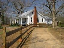 Cerca de la casa de la granja Imagen de archivo libre de regalías