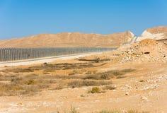 Cerca de la frontera de Israel Egypt en los desiertos de Negev y de Sinaí Fotos de archivo