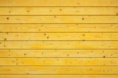 Cerca de madeira amarela Fotos de Stock Royalty Free
