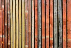 Cerca de madeira da cor fotografia de stock