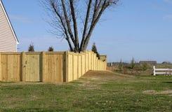 Cerca de madeira da propriedade Imagens de Stock Royalty Free