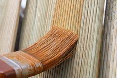 Cerca de madeira de pintura Fotos de Stock Royalty Free