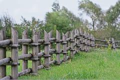 Cerca de madeira velha pequena Fotografia de Stock Royalty Free
