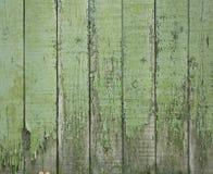 Cerca de madeira verde velha imagens de stock