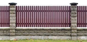 Cerca de madeira vermelha fragmento isolado Foto de Stock Royalty Free