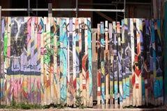 Cerca de madera coloreada Foto de archivo libre de regalías
