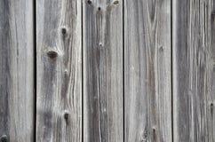 Cerca de madera del Grunge con los nudos Foto de archivo