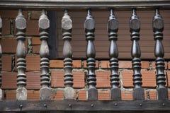 Cerca de madera de pintura del balcón Imagen de archivo