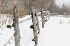 Cerca de madera rústica Foto de archivo libre de regalías