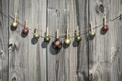 Cerca de suspensão das bolas do Natal Foto de Stock Royalty Free