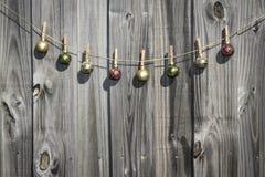 Cerca de suspensão das bolas do Natal Imagens de Stock Royalty Free