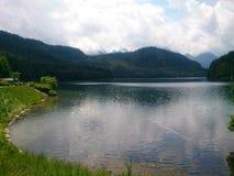 Cerca de un lago Imagen de archivo