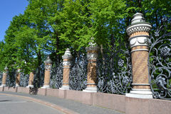 Cerca decorativa do ferro fundido Fotografia de Stock Royalty Free