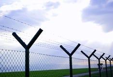 Cerca del alambre de púas Imagen de archivo