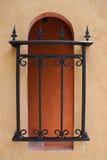 cerca del hierro labrado en estilo mediterráneo Fotografía de archivo libre de regalías