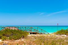 Cerca del paraíso de Playa de la playa de la isla de Cayo largo, Cuba Copie el espacio para el texto Fotos de archivo