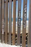Cerca en la frontera de Tijuana y de San Diego Foto de archivo
