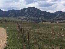 Cerca Line da montanha foto de stock
