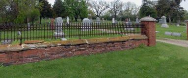 Cerca oxidada del cementerio del hierro Foto de archivo