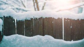 Cerca rústica en el invierno almacen de video