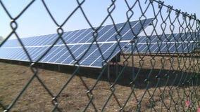 Cercando el territorio en el cual los elementos de la energ?a solar almacen de video