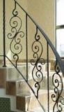 Cercando escadas internas em uma construção Imagem de Stock Royalty Free