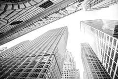 Cercando i grattacieli in Manhattan, New York, U.S.A. Fotografia Stock