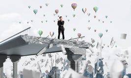Cercando i nuovi modi la soluzione di problemi Immagini Stock