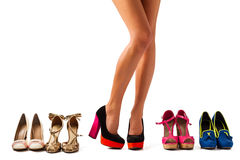 Cercando un paio del raight delle scarpe fotografia stock libera da diritti