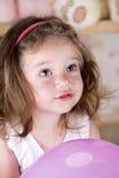 Cercare della bambina di Portraite Fotografia Stock