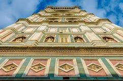 Cercare il campanile del ` s di Giotto a Firenze, la Toscana Fotografie Stock