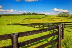 Cercas de la granja del caballo Foto de archivo libre de regalías