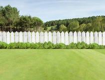 Cercas de madeira brancas Fotografia de Stock Royalty Free