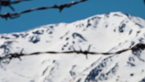Cercas e montanhas do arame farpado filme