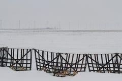 Cercas portátiles de la nieve en invierno Fotos de archivo