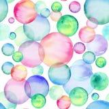 Cerchi colorati dell'acquerello Reticolo senza giunte Bolle dell'arcobaleno Fronte delle donne disegnate a mano di illustration illustrazione di stock