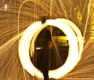 Cerchi e scintille del fuoco Fotografie Stock Libere da Diritti