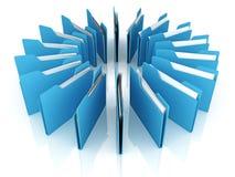 Cerchio dei dispositivi di piegatura blu dell'ufficio con documento su bianco Immagini Stock