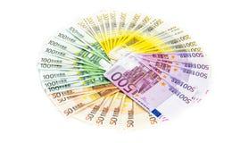 Cerchio di euro soldi delle banconote isolati su fondo bianco bil Fotografia Stock Libera da Diritti