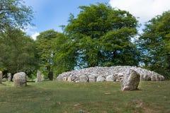 Cerchio di pietra e sito grave ai cairn di Clava Immagini Stock