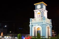 Cerchio di Surin con la torre di orologio nella città di Phuket Fotografia Stock