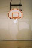 Cerchio e corte di pallacanestro Immagini Stock Libere da Diritti