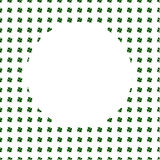 Cercle blanc sur le fond de trèfle à quatre feuilles de vert d'aquarelle Carte de voeux de calibre de St Patrick Day Illustration Photographie stock