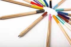 Cercle coloré de crayons Photos libres de droits