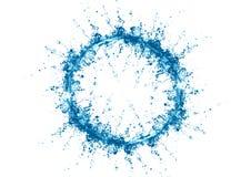 Cercle d'éclaboussure de l'eau sur le fond blanc avec l'ondulation et la réflexion - Image illustration stock