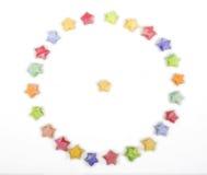 Cercle d'origami d'étoiles chanceuses de couleur Images libres de droits