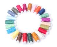 Cercle des amorçages colorés sur un blanc Photographie stock