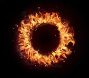 Cercle du feu d'isolement sur le fond noir photos stock