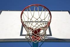 Cercle et réseau de Basketbal Images libres de droits